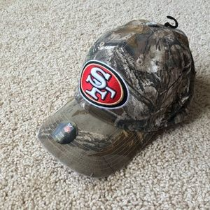 NEW San Francisco 49ers Camo Hunting Cap